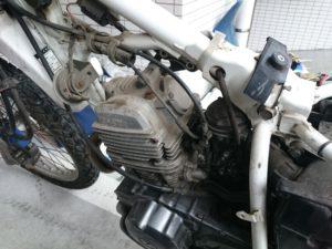SERROW225 エンジン付近
